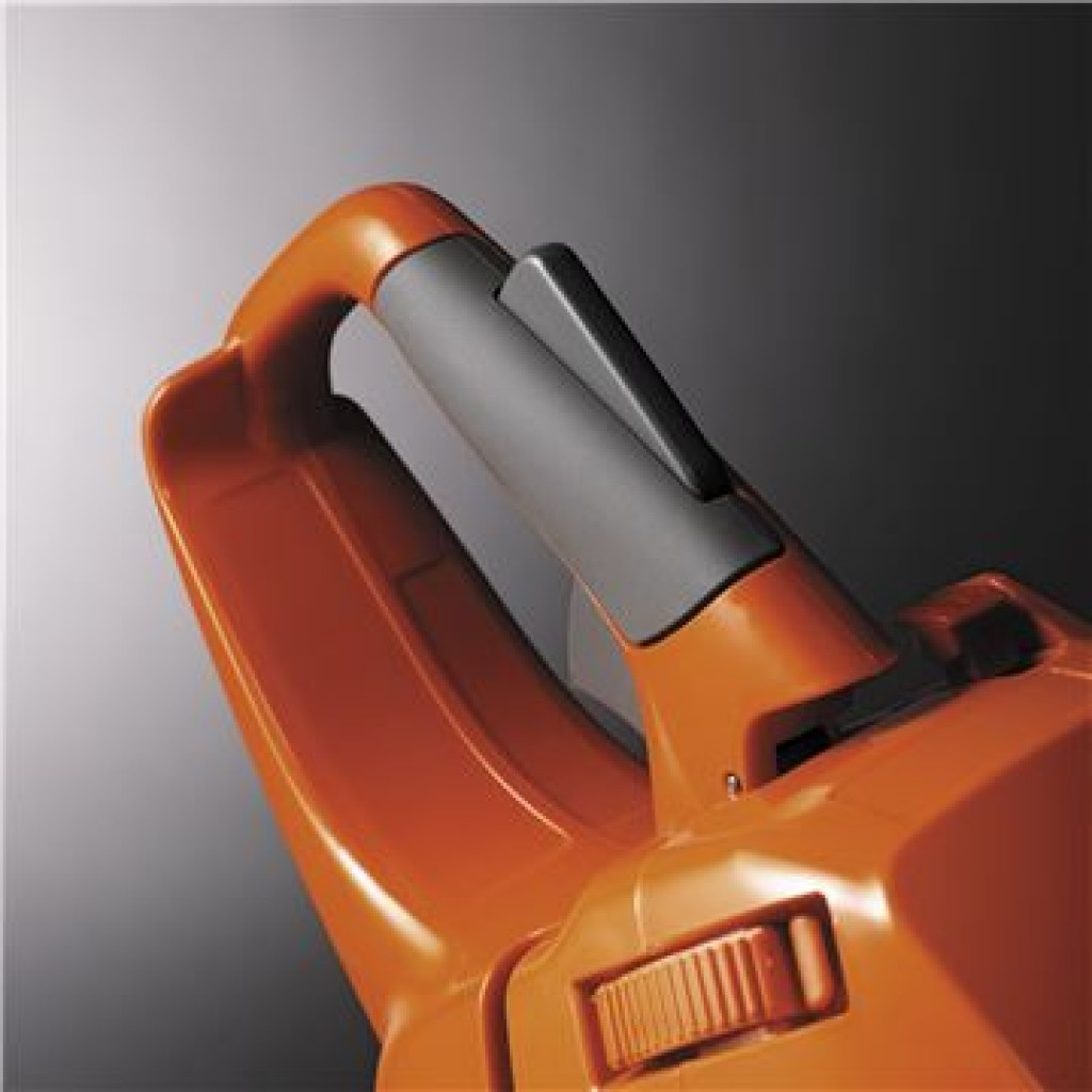Husqvarna 450 - Ergonomic Handle for Increased Comfort